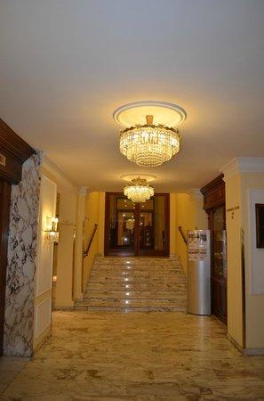 Hotel de France: lobby