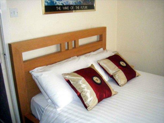 The Feathers Hotel: En-suite premium bedroom