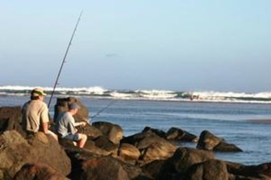 Kob Inn Beach Resort : Fishing