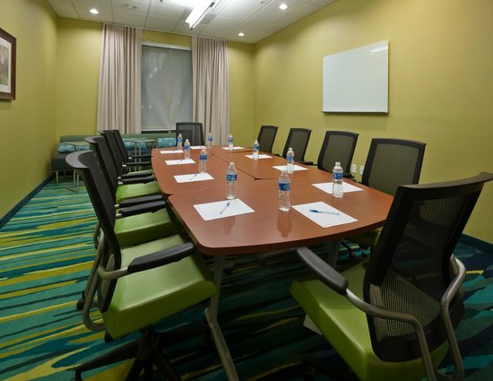 SpringHill Suites Lafayette South at River Ranch: Boardroom
