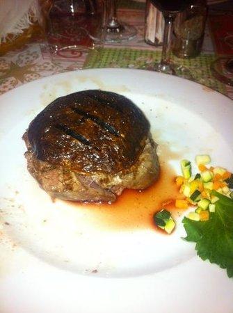 Hotel Ristorante Regina: filetto con porcini