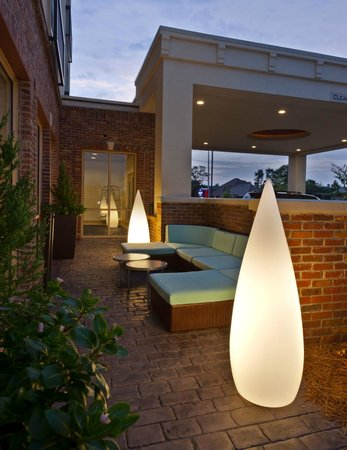 SpringHill Suites Lafayette South at River Ranch: Outdoor Patio