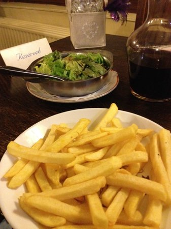 L' Argentine: frites et salades