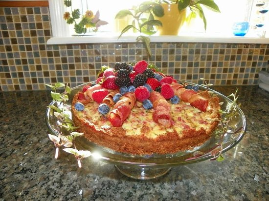 Sweetberries Bed and Breakfast: Blueberry Bread Pudding Quiche