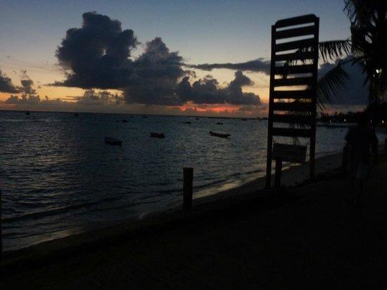 Paraiso do Morro: Amanecer desde la entrada de la posada