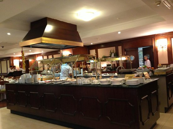 LaresPark Hotel: breakfast