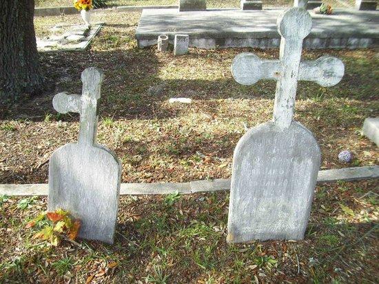 Old Biloxi Cemetery : GRAVESTONE