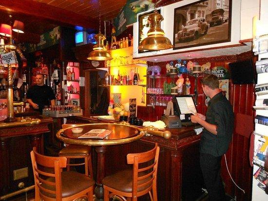 Le Pub Glacier: coin pub