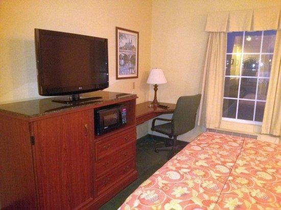 Quality Inn: 330
