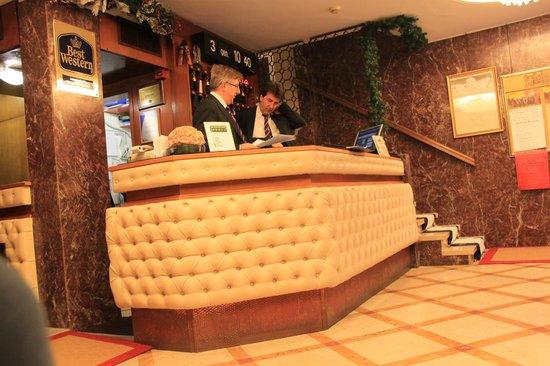 Hotel Montecarlo: recepción