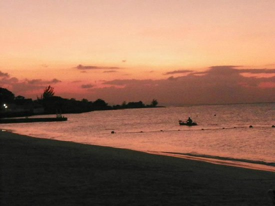 Sandals Montego Bay: Beautiful sunsets!