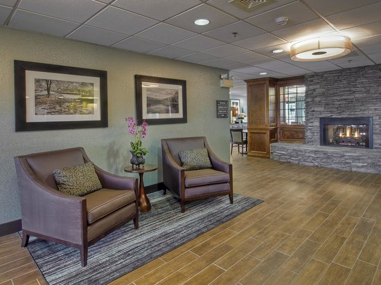 Hampton Inn Kingsport: Lobby area