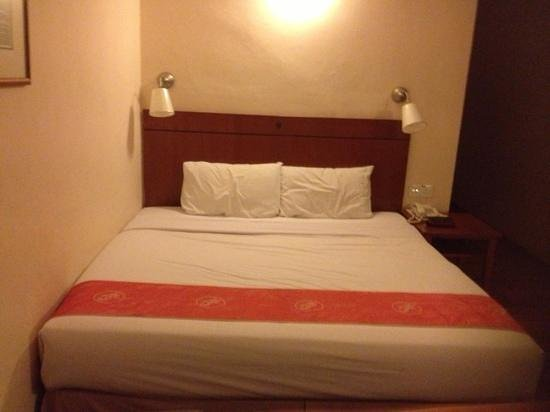 Hotel Puri: double bed standard room old wing