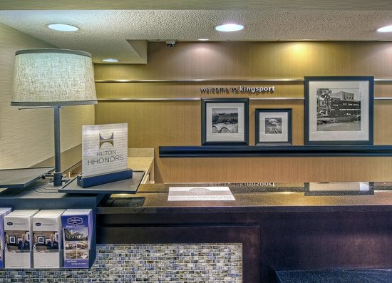 Hampton Inn Kingsport: Front Desk
