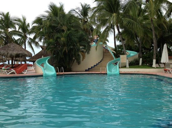 Sunscape Dorado Pacifico Ixtapa: Waterslides