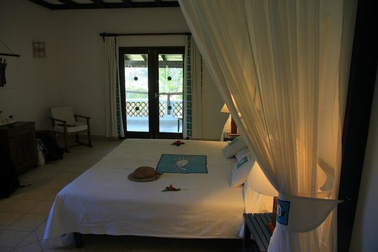 Pinewood Beach Resort & Spa: The bedroom