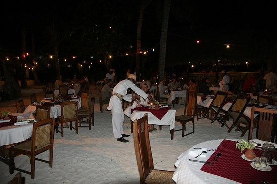 Pinewood Beach Resort & Spa : Gala New Year's Eve dinner on the beach