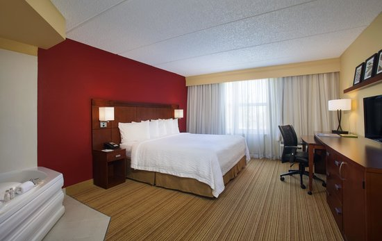 Courtyard by Marriott Miami Aventura Mall: Spa King Guest Room