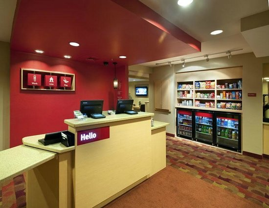 TownePlace Suites Nashville Airport: Welcome Desk