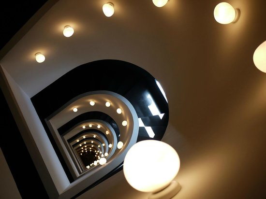 Ohla Hotel: Interesting staircase