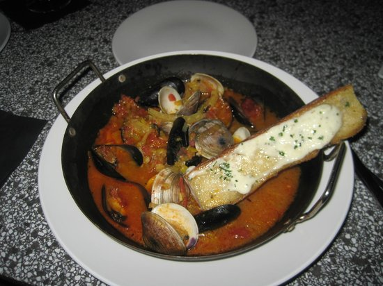 Riviera Palm Springs Resort: Yummy Muscles & Clams