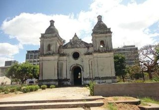 Quelimane, Mozambico: Por: Amostra Sobrinho* Ela encontra se localizada na Avenida da Marginal, ao lon