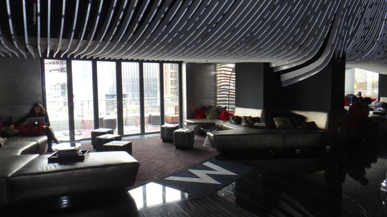W New York - Downtown: Lobby/lounge bar where we spent NYE. Had a great time