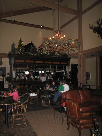 Grouse Mountain Lodge: Bar Area