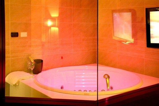 Reception picture of amati design hotel zola predosa for Hotel amati riccione prezzi