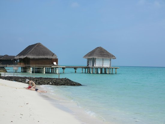 Kuramathi Island Resort: Vista spa