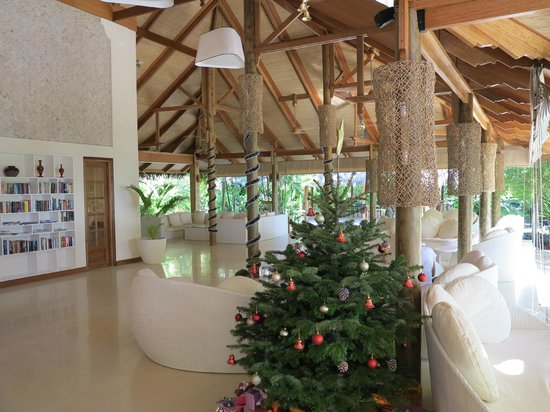 Kuramathi Island Resort: Main reception