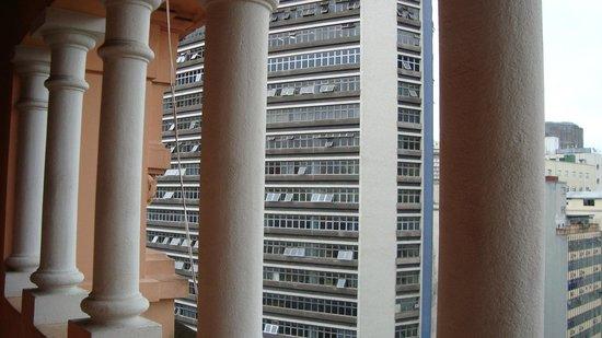 Hotel Lux: Varanda