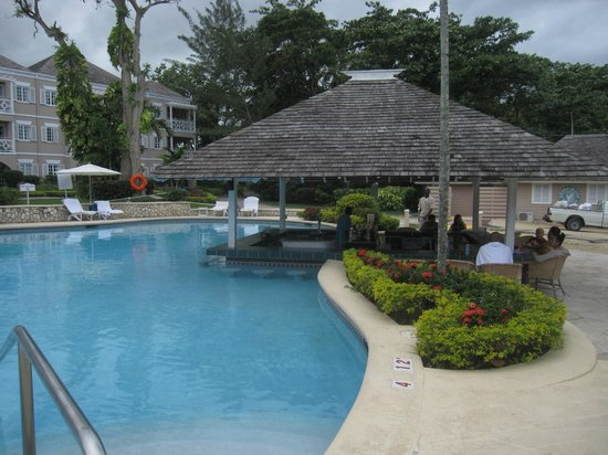 Couples Sans Souci: Awesome pool
