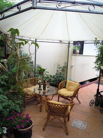 Bed and Breakfast Mare e Sole: giardino