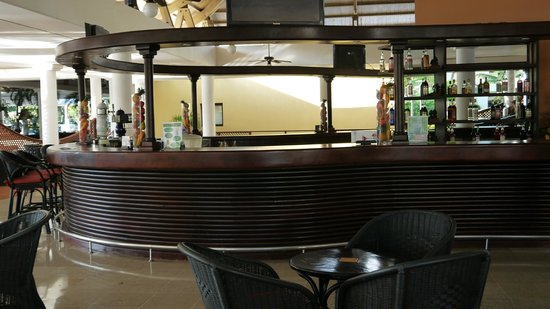 Catalonia Bavaro Beach, Casino & Golf Resort: le bar principal