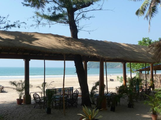 Om Sai Beach Huts: comunal chill area
