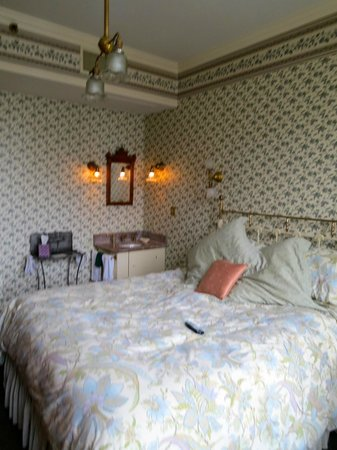 Washington House Inn: Room 206