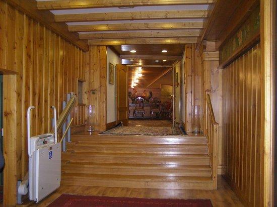 Hotel Rutllan: acces au restaurant