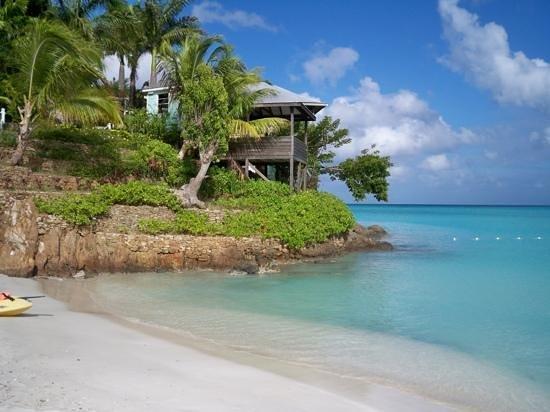 COCOS Hotel Antigua: Blick vom Strand auf das Restaurant
