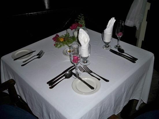 COCOS Hotel Antigua: Honeymoondinner