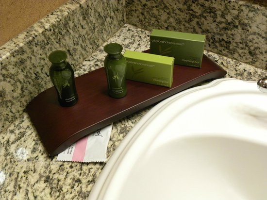Olympic Lodge: Toiletries