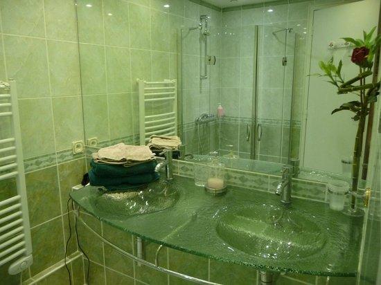Domaine Aurore de Beaufort: La salle d'eau
