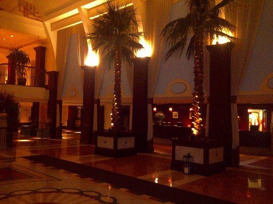 British Colonial Hilton Nassau: Colonial Lobby