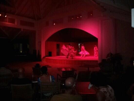 St. James's Club Morgan Bay: Evening entertainment