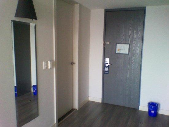 Hotel El Ejecutivo: Otro angulo del cuarto
