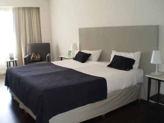 Dazzler Recoleta: Bed