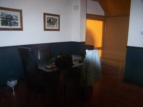 Oliver St. John Gogarty's Hostel: Dining Room