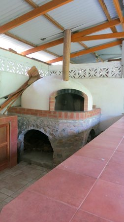 Il Pianista: Wood burning oven