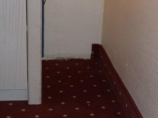 TRYP by Wyndham Ahlbeck Strandhotel: Fehlende Fußleiste