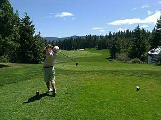 Oceanside Retreat: Golfing - nearby Oceanside B&B and Spa